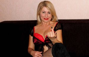 Sexgeile Blondine liebt dirty talk